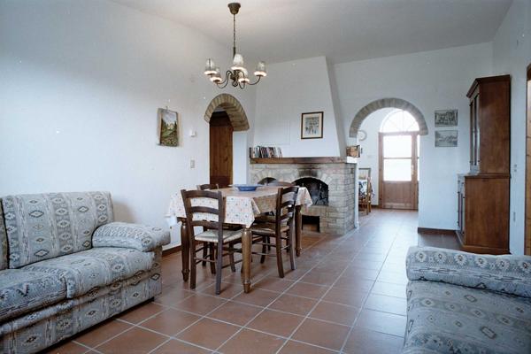 bauernhof podere santa maria apartments ferienh user zimmer und seminarraumvermietungen. Black Bedroom Furniture Sets. Home Design Ideas